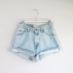 Vintage Levi's 912 slim fit light wash jean shorts